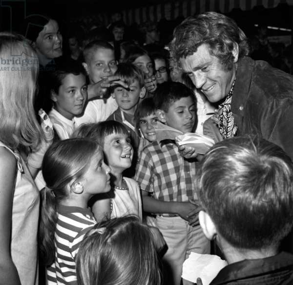 Steve Mcqueen With Young Admirers in Burbank, California, September 1969 (b/w photo)