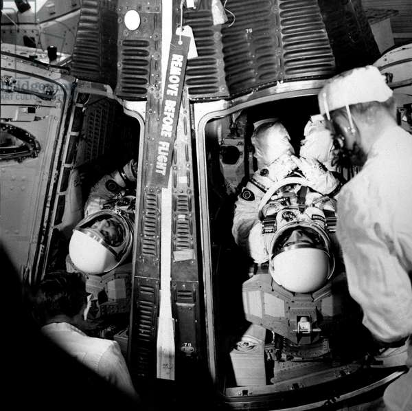Gemini 3 (March 23, 1965) : Astronauts Virgil Gus Grissom (L) and John Young (R) in Gemini Space Capsule on Top of Titan 2 Boosters in Cape Kennedy (b/w photo)