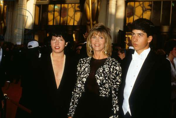 Jane Fonda With her Children, Vanessa and Troy, April 1989 (photo)