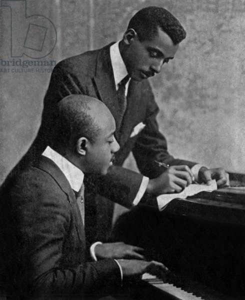 Eubie Blake (1883 1983) Pianiste Americain De Jazz American Ragtime Composer and Pianist (Assis) Et Noble Sissle (1889 1975) Chanteur De Jazz Singer C.1920 (b/w photo)