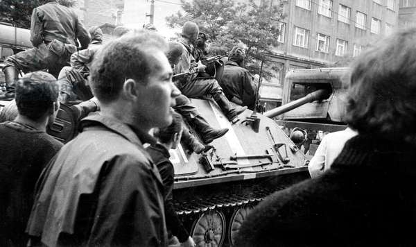 The Prague Spring : Soviet Invasion of Czechoslovakia August 1968 (b/w photo)