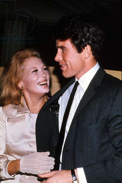 Faye Dunaway and Warren Beatty in April 1968 (photo)