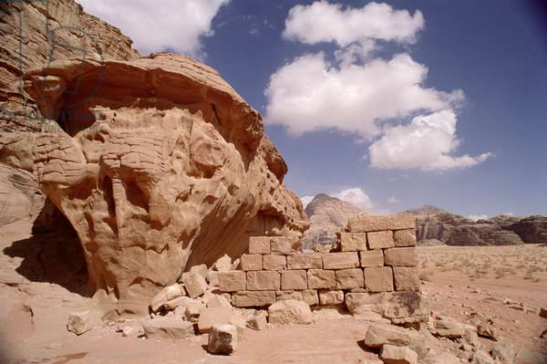 Lawrence of Arabia's house during his occupation of Wadi Rum in 1917 (photo)