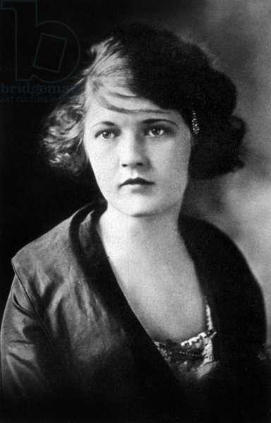 Zelda Fitzgerald, 1919 (b/w photo)