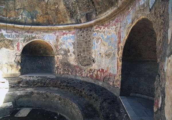 Frigidarium based on circular plan, Forum Baths, Pompeii (Unesco World Heritage List, 1997), Campania, Italy, Roman civilization, 1st century BC