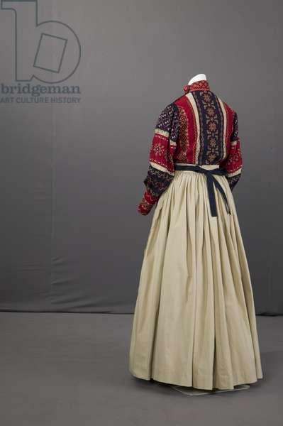 Ukranian wedding ensemble, 1895 (back oblique view), Silk crepe, embroidery