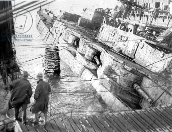 The scuttled 'Hindenburg' is raised in Scapa Flow (b/w photo)