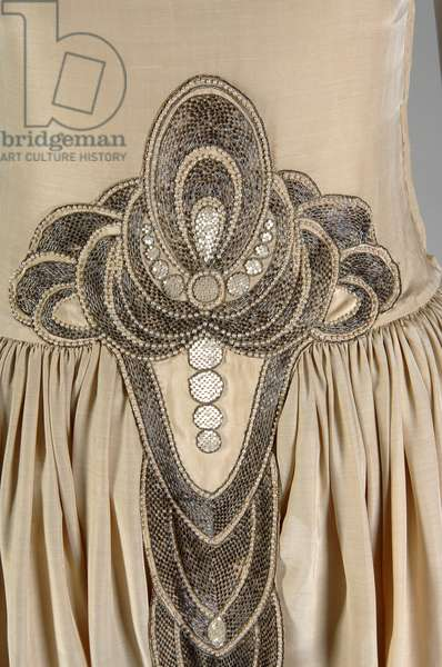 Robe de Style, 1927 (detail view of front at waist), Silk moiré, glass beads, pearls, metallic thread, Jeanne Lanvin, France