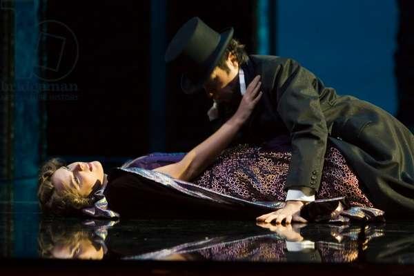 Virginia Tola as Donna Elvira and Marco Vinco as Leporello (photo)
