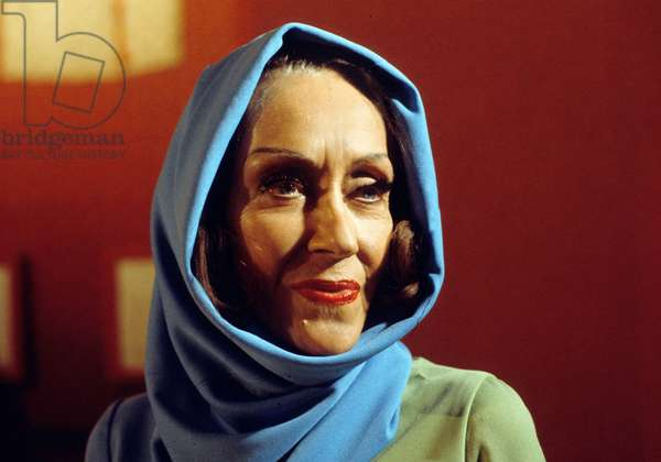 American Actress Gloria Swanson (1897-1983) in March 1974 (photo)
