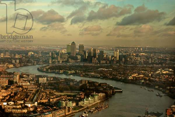 A View of the Thames & Canary Wharf (London)