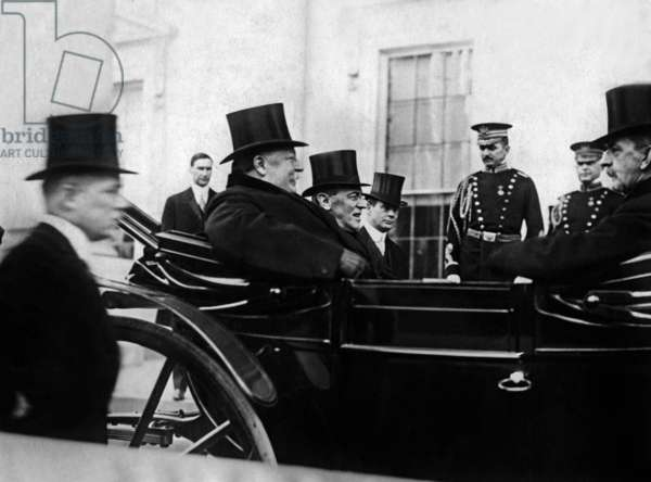 New american president Woodrow Wilson and former american president William Howard Taft arriving at the White House in Washington for transfer of power, 1913