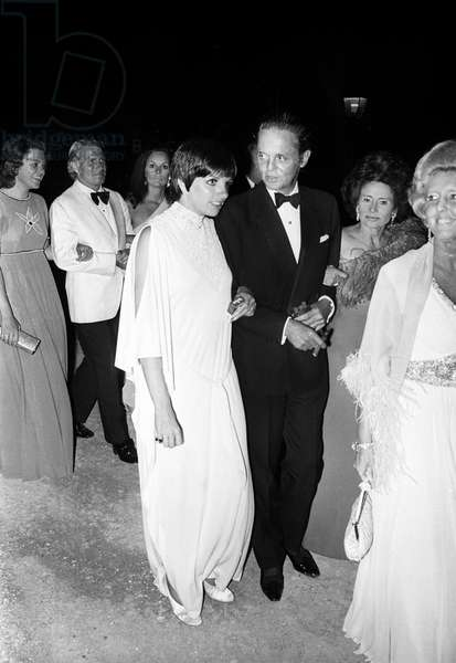Liza Minnelli and Alexis de Rede, Gala at the hotel du Cap Eden Roc, Antibes, September 1971 (b/w photo)