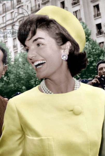 Jackie Kennedy during her Official Visit To Paris May 31, 1961 (Visit of Childcare School). She'S Wearing Alaskine (Wool and Silk) Created By Oleg Cassini, Pillbox Hat Created By Roy Halston Frowick (photo)