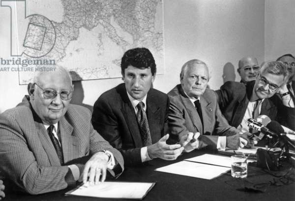 From Left to Right Michel Poniatowski Philippe De Villiers Alain Griotteray And Francois D'Aubert At A Press Conference Of The Coordination For The Europe Of Nations On July 8, 1992 (b/w photo)