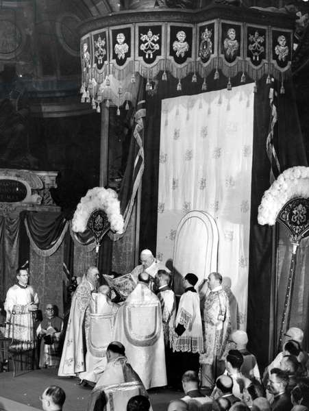 Pope John XXIII, Ioannes XXIII), born Angelo Giuseppe Roncalli 25 November 1881 – 3 June 1963, was the head of the Roman Catholic Church from 28 October 1958 to his death in 1963