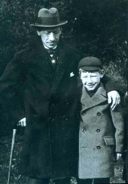 Igor Stravinsky  with his son Theodore, 1916 at Monges