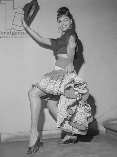 """Dancer Sally Neal, from the """"Ballet Noir"""" (""""Black Ballet"""") in Paris, September 14, 1960 (b/w photo)"""