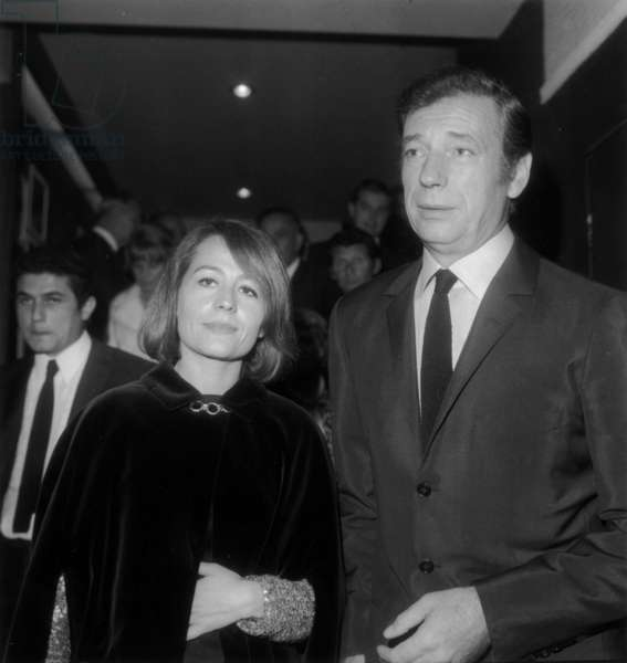 Annie Girardot and Yves Montand at Gala For Film Live For Life in Paris on September 4, 1967 (b/w photo)