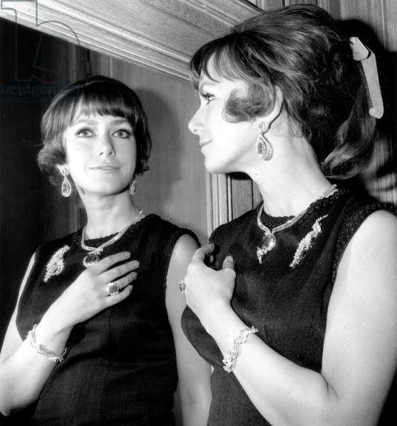 Model wearing Cartier jewels during a Haute Joaillerie party, Cartier, Place Vendome, November 30th 1966 (b/w photo)