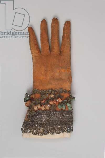 Single left glove, 1680