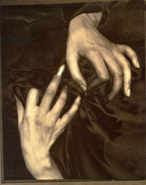 Georgia O'Keefe: A Portrait - Hands with Thimble, 1920 (solarised palladium print)