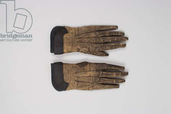 Pair of men's mourning gloves, 1730-1769 (leather, lace)