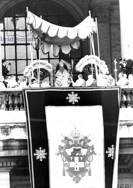 Rome November 23, 1958 Pope John XXIII speaks from the balcony of the Basilica of San Giovanni in Laterano