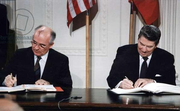 President Ronald Reagan and Mikhail Gorbachev