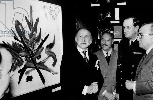 Exhibition of Georges Mathieu'S Works November 19, 1980 (b/w photo)