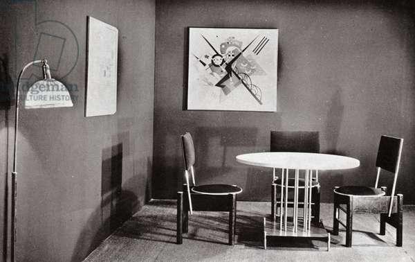 Salle a manger bauhaus. Bauhaus living room.
