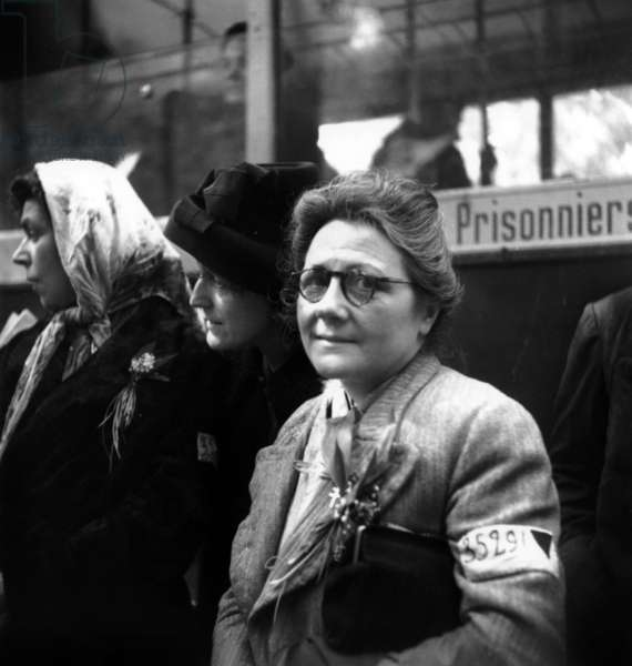 Return in France of The French Woman Deported in The Concentration Camp of Ravensbruck, in May 1945 (b/w photo)