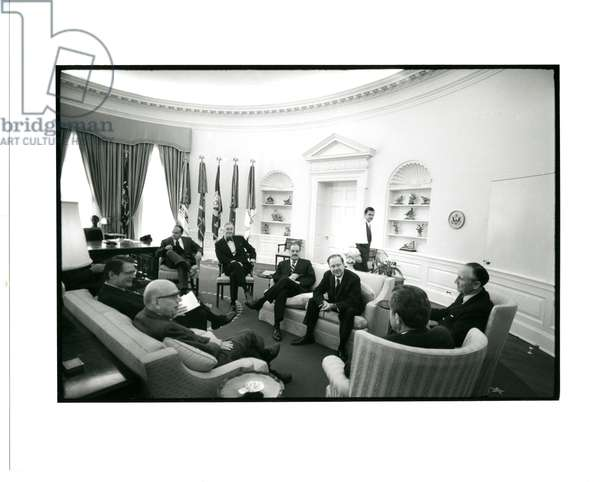 A group of senators meeting with Richard Nixon and members of his administration in the oval office, 30th December 1970 (b/w photo)