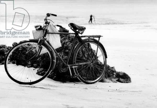 Sea Bike, Zanzibar, Tanzania, 2006, photo black and white, by Carola Guaineri