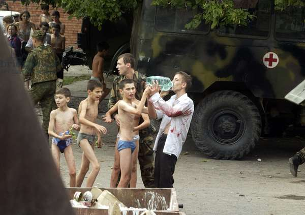 Hostages, who had suffered in Beslan terrorist act, 2004 (photo)