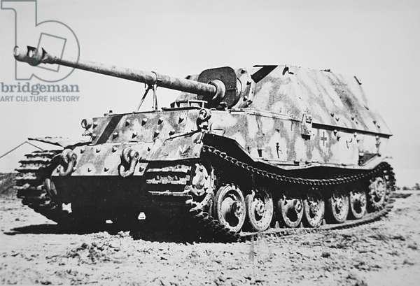 German Ferdinand self-propelled 8.8cm gun, 1939-45 (b/w photo)