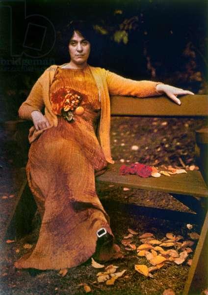 STIEGLITZ: FASHION, 1907 Mrs. Selma Schubart wearing a pleated silk dress by Fortuny. Autochrome by Alfred Stieglitz, 1907.
