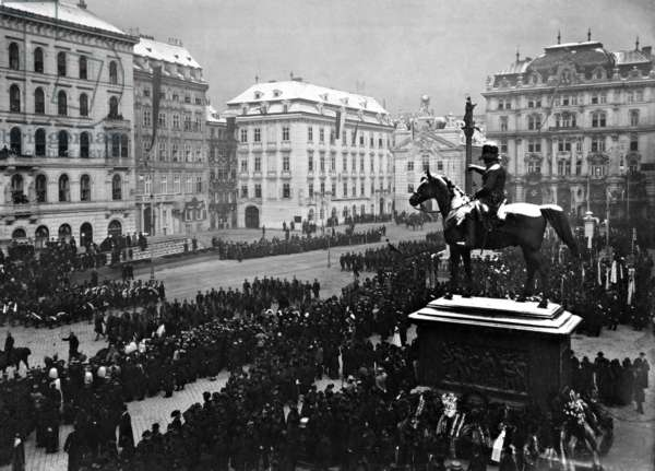 Commemoration of the 50th day of death of Joseph Graf Radetzky von Radetz in Vienna, 1907 (b/w photo)