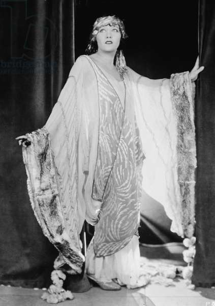 Gloria May Josephine Swanson, 1925