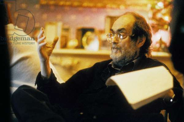 Le realisateur Stanley Kubrick lors du tournage du film Eyes Wide Shut de StanleyKubrick 1999