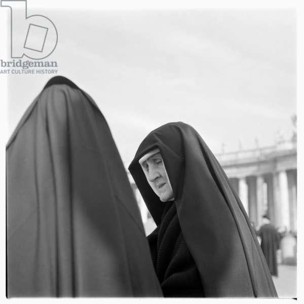 Nuns in Rome, early 1950's (b/w photo)