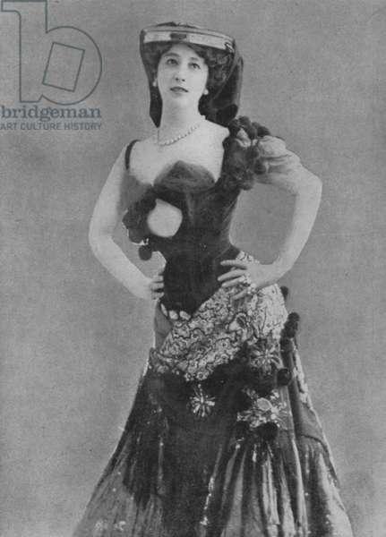 La belle Otero (b/w photo)