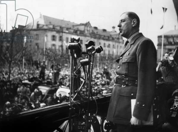 general Charles De Gaulle at Strasbourg town hall announcing creation of his political party RPF on april 7, 1947