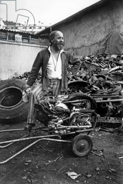 Sculptor Cesar With A Moto Before Reduction on September 3, 1971 (b/w photo)