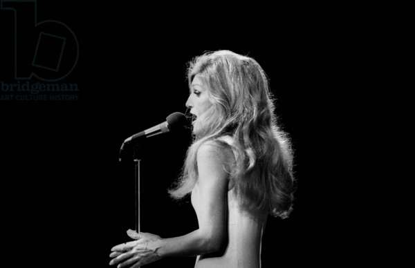 Dalida on stage at the Olympia, Paris, 13 January 1975 (photo)