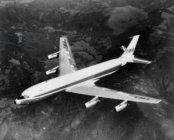 High angle view of an airplane in flight, Boeing 707
