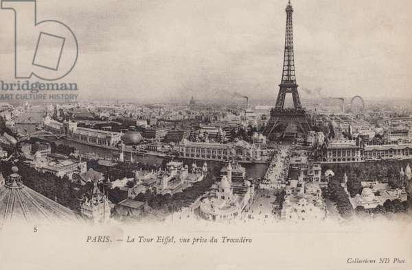 Paris, Eiffel Tower (b/w photo)