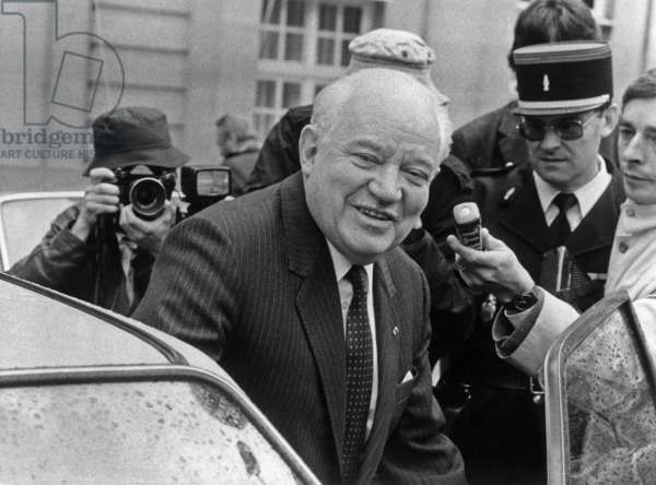Fernand Wibaux (High Commissioner In New Caledonia) Leaving Hotel Matignon After Interview With Laurentfabius May 22, 1985 (b/w photo)