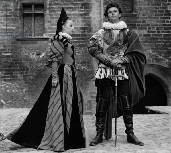 Play El Cid Performed By Jeanne Moreau and Gerard Philipe during Avignon Theatre Festival in July 1951 (b/w photo)