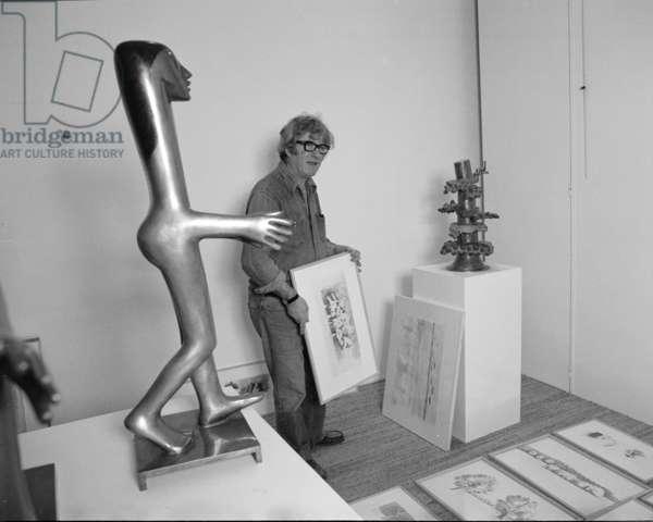 Kenneth Armitage, 1971 (b/w photo)